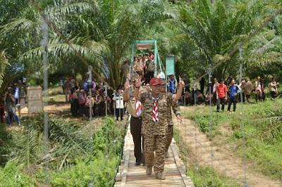 Ridho Ficardo Bersama Relawan Resmikan Jembatan Gantung di Kecamatan Banyumas