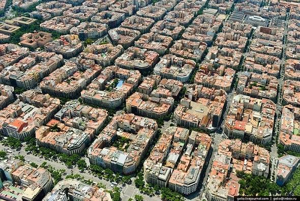 ايكسامبلي في برشلونة