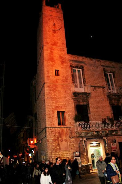 Torre dell'Orologio, monumento, sagra 2017, turisti, borgo antico, Strada, via, Ruvo di Puglia