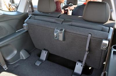 Baris Ketiga Honda BR-V dapat dilipat untuk memberikan ruang bagasi yang lega