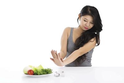 Nhịn ăn để giảm cân có tốt không ?