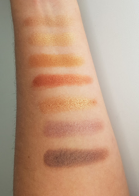 Makeup Revolution Amplified 35 Eyeshadow Palette Naked Golds Swatch