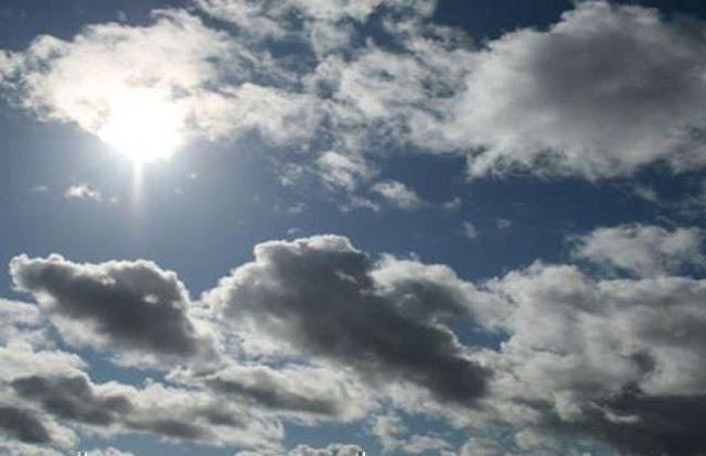 Νεφώσεις με τοπικές βροχές, αλλά και υψηλές θερμοκρασίες (βίντεο)