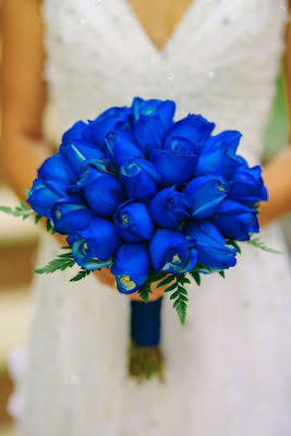 Ramo de novia con azul