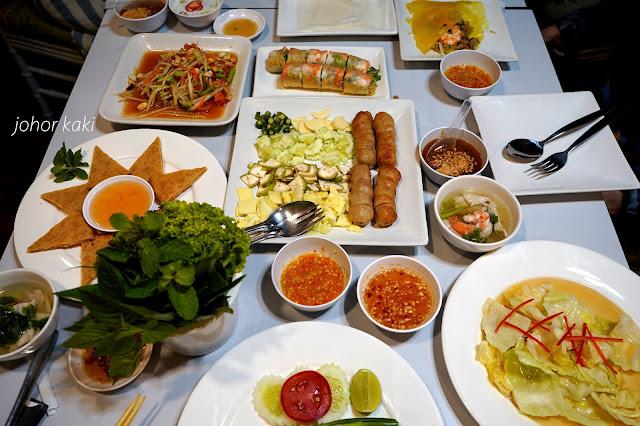 Siam Namnueng Thai & Vietnamese Family Restaurant @ ICON SIAM in Bangkok