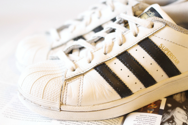 How To Revive Your Old White Trainers The Lipstick The