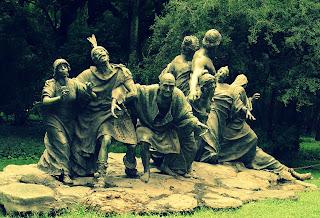 Saturnalia, Escultura em Bronze de Ernesto Biondi, em Buenos Aires