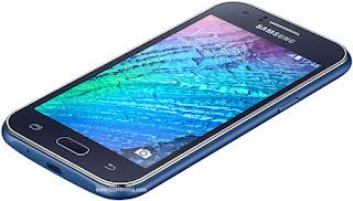 Spesifikasi Samsung Galaxy J1 4G  Sobat gadget perusahaan Samsung telah meluncurkan smartphone terbarunya di seri J, smartphone tersebut ialah Samsung Galaxy J1 4G. Smartphone baru tersebut telah di dukung oleh jaringan 4G LTE. Secara  keseluruhan Spesifikasi smartphone Samsung Galaxy J1 4G ini tidak beda jauh dengan varian sebelumnya  yaitu Samsung Galxy J1. Lantas apa saja kah spesifikasi lengkapnya ? simak terus beritanya di bawah  ini.  Smartphone Samsung Galaxy J1 4G ini telah di suguhkan oleh layar berjenis TFT Capacitive seluas 4,3  inci beresolusi 480 x 800 piksel. Pada layar smartphone tersebut juga telah memiliki ketelitian layar  mencapai 217 ppi. Ya, dengan adanya resolusi tersebut maka layar smartphone ini mampu menyuguhkan  gambar dengan kualitas lumayan bagus dan juga jernih.                                            Selanjutnya pihak samsung telah membekali smartphone Samsung Galxy J1 4G LTE dengan ukuran dimensi sebesar 129 x 68.2 x 8.9 mm dengan bobot seberat 122 gram. Selanjutnya pada performanya, smartphone tersebut telah di benamkan oleh prosesor bertenaga quad core  dengan kecepatan 1,2GHz yang telah di proses oleh memori RAM sebesar 768MB. Untuk mengoptimalkan  kinerjanya smartphone Samsung Galaxy J1 4G ini telah di oprasikan dengan OS Android KitKat 4.4
