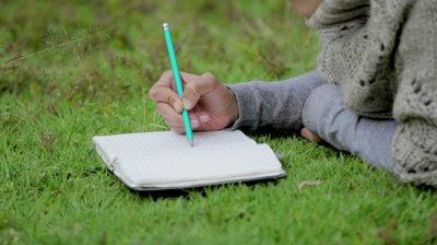 5 Keuntungan Mempunyai Hobi menulis yang akan Membuatmu Terperangah!