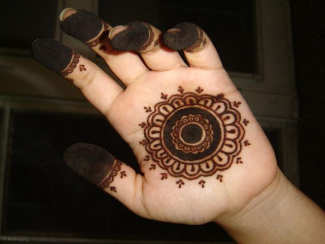 Easy mehndi design for kids hands