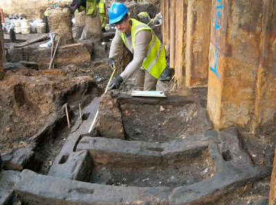 'Entire streets' of Roman London uncovered