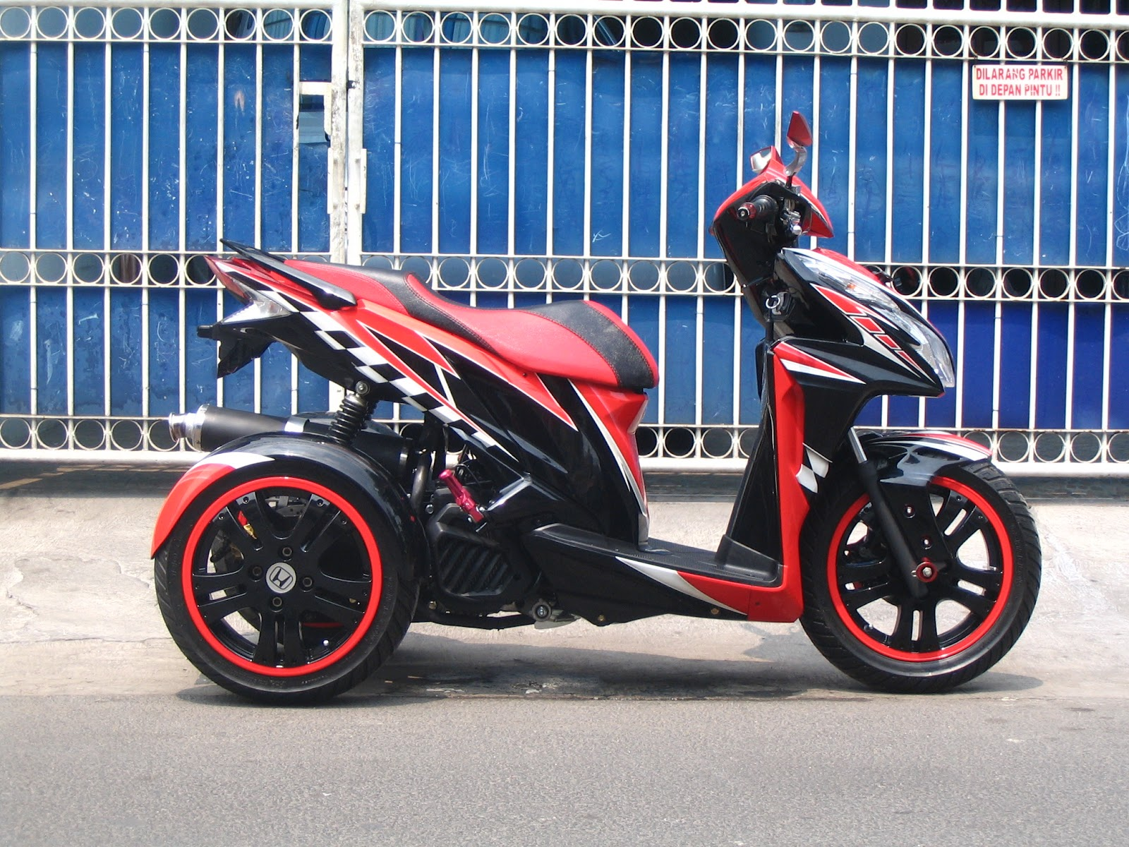 Oracle Modification Concept Roda Tiga Vario Techno 125 Pesanan Mr