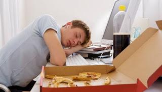 Yemekten Sonra Uyku Gelmesi Nedenleri ve Tedavisi