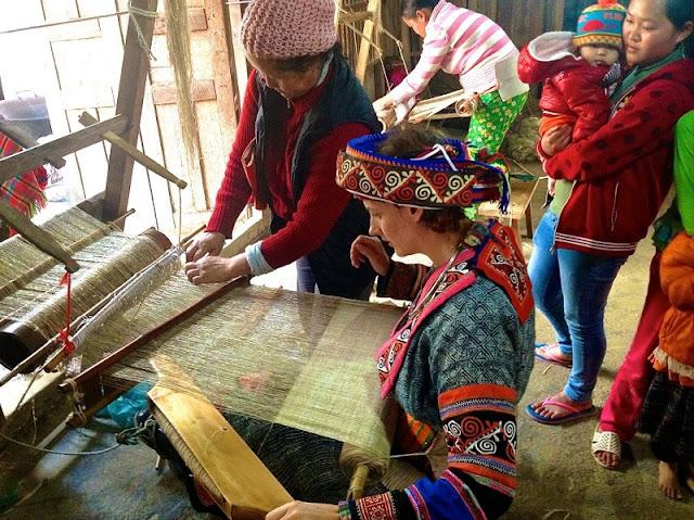 Lung Tam brocade weaving village 1