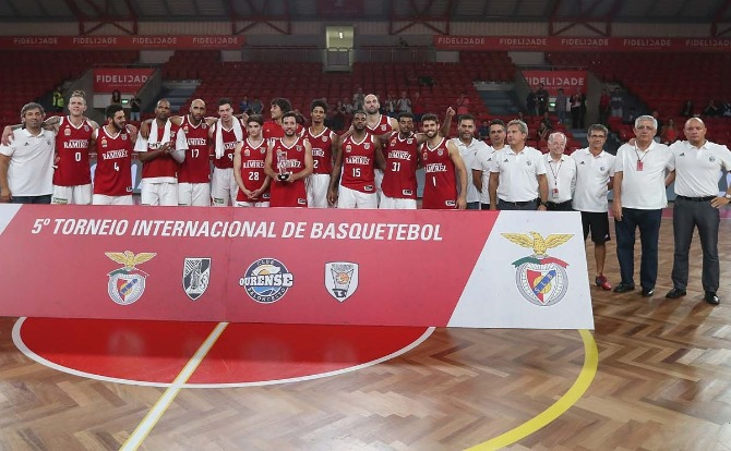 Benfica venceu o 5º Torneio Internacional de Basquetebol