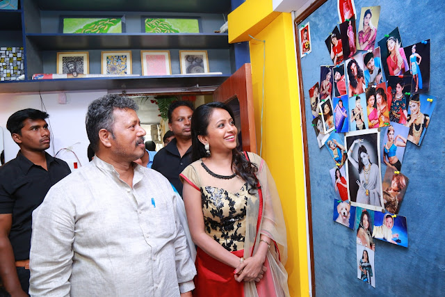 Anchor Suma Launches Bhatt - Mini Studio @ Narayanaguda