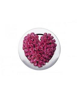 ורדים בצבע ורוד בצורת לב