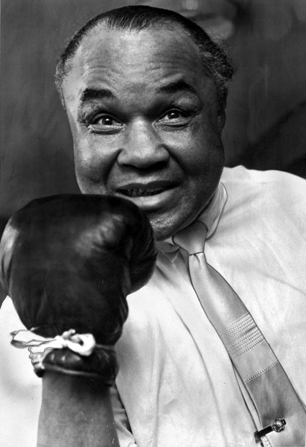 henry armstrong Henry armstrong was born henry jackson jr in columbus, mississippi, on december 12, 1912 when he was 4, armstrong and his large family—he was the 11th of 15 children—moved to st louis.
