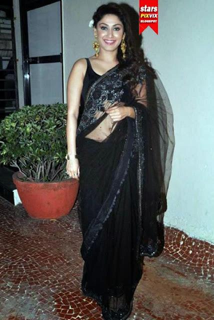Manjari Phadnis In Backless Black Saree  Cute Marathi -9918