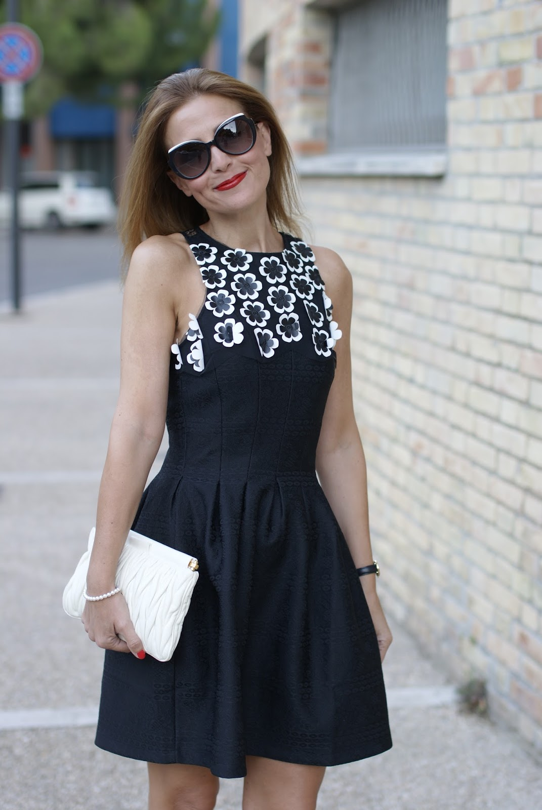 #DesigualSales black dress with 3d flowers and marc jacobs sunglasses on Fashion and Cookies fashion blog, fashion blogger style