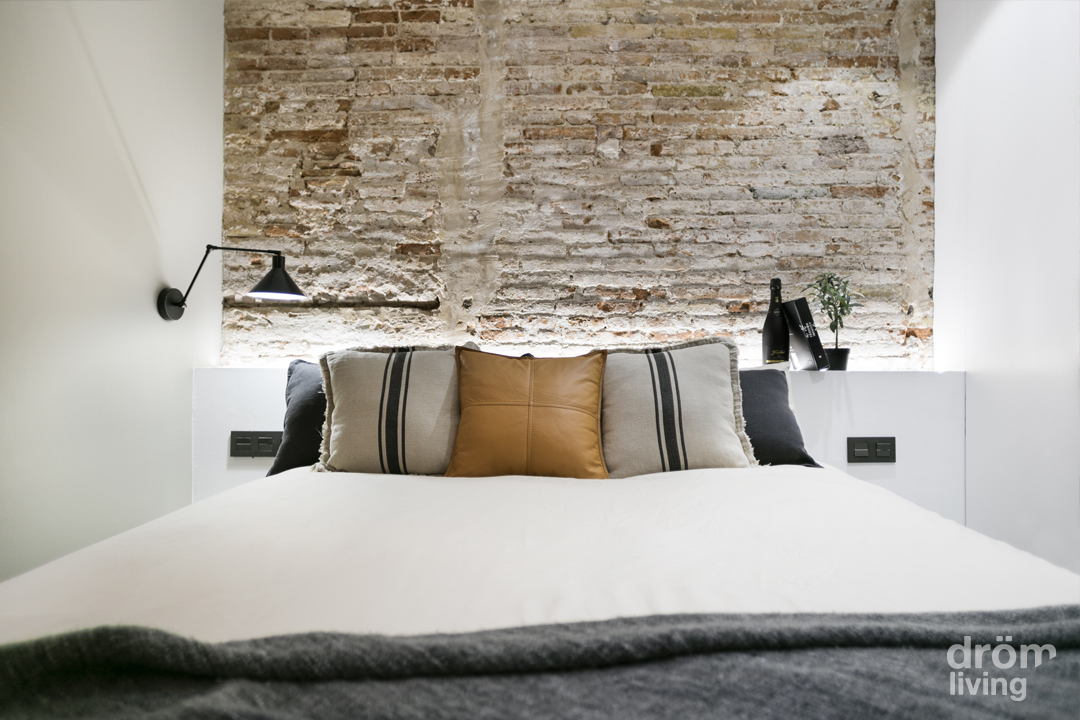 Un loft in stile industriale a barcellona coffee break - Camera da letto industrial ...