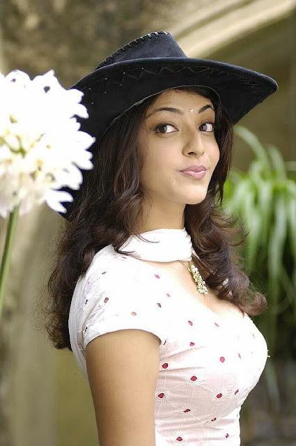 Tamil hot actress Kajal Agarwal Photo Gallery