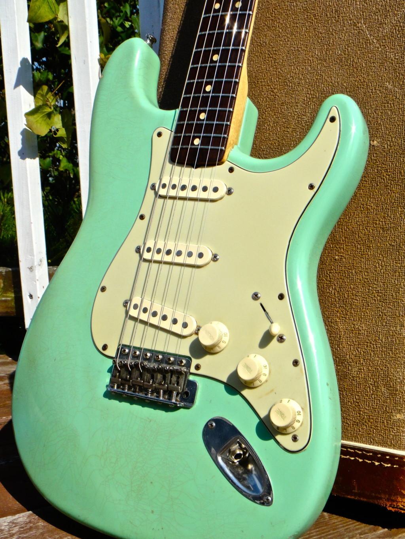 vintage guitarz 1962 63 fender stratocaster surf green. Black Bedroom Furniture Sets. Home Design Ideas