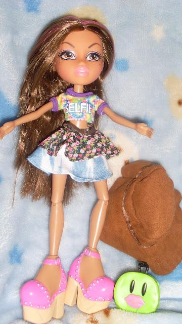 poupée yasmine