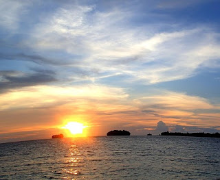 http://www.teluklove.com/2017/04/destinasti-objek-wisata-pulau-opak.html