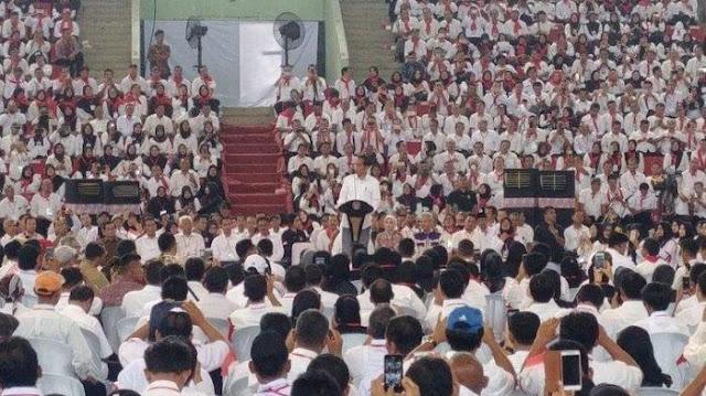 Momen Jokowi Disoraki saat Jawab Tuntutan 17 Ribu Penyuluh Pertanian jadi PNS