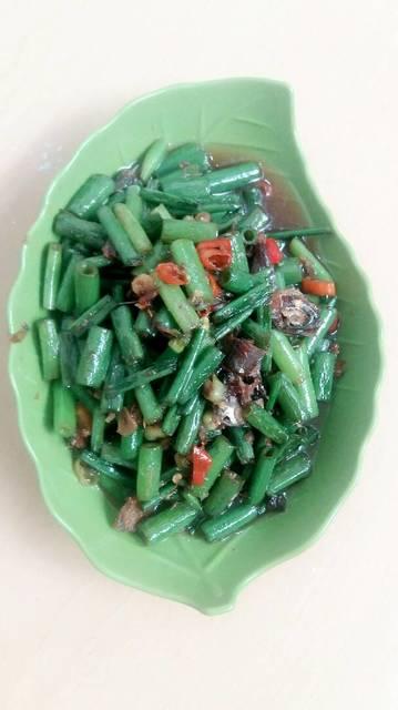 Resep tumis bunga bawang ikan asin ala rumah makan ciwidey