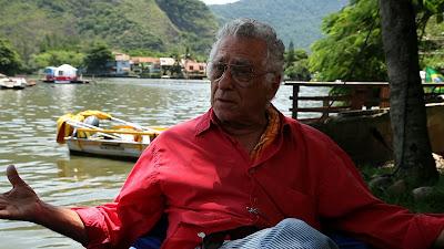 O cineasta Neville D'Almeida é o retratado do primeiro episódio - Divulgação