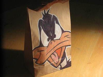 Pato lucas dibujo con prismacolor