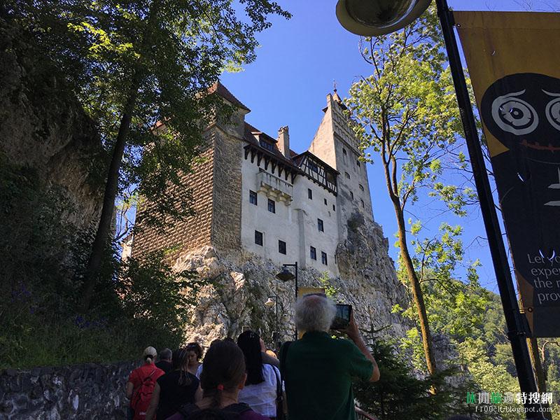 [羅馬尼亞.布蘭] 布蘭城堡(Bran Castle):沒有吸血鬼 只有滿滿觀光客的~德古拉吸血鬼城堡