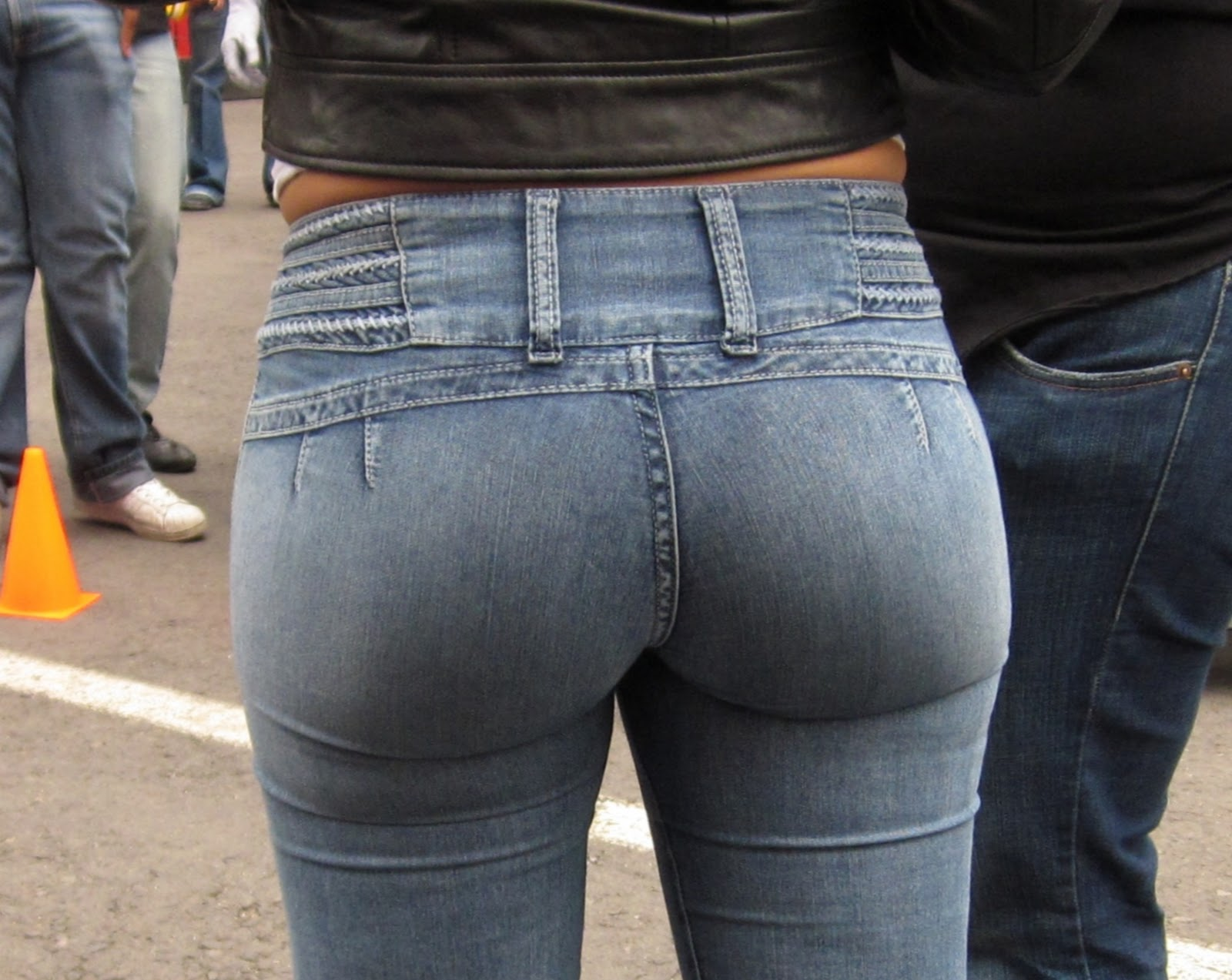 latina girls in tight jeans