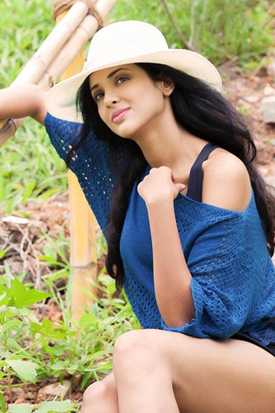 Priya shri Hot Stills