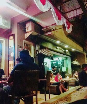 Re Cafe platinum tempat nongkrong asik di pekanbaru yang instagramable