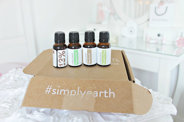 How to be a forest fairy and make bath and body products and pretty things for your makeup collection, SimplyEarth review.