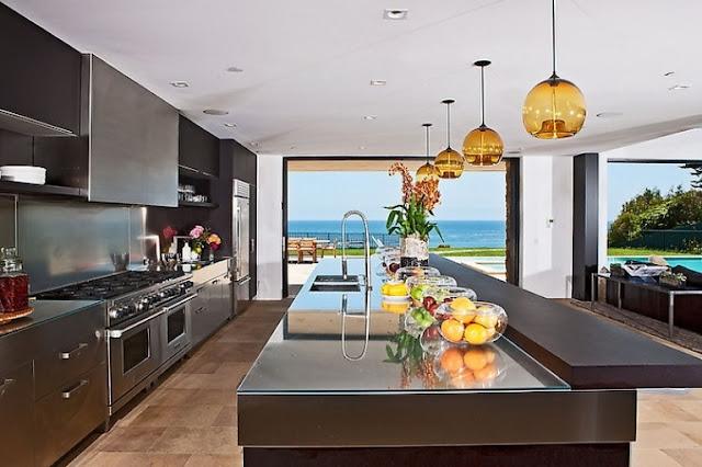 Malibu Beach House With Castle Exterior Inspiring Modern Home