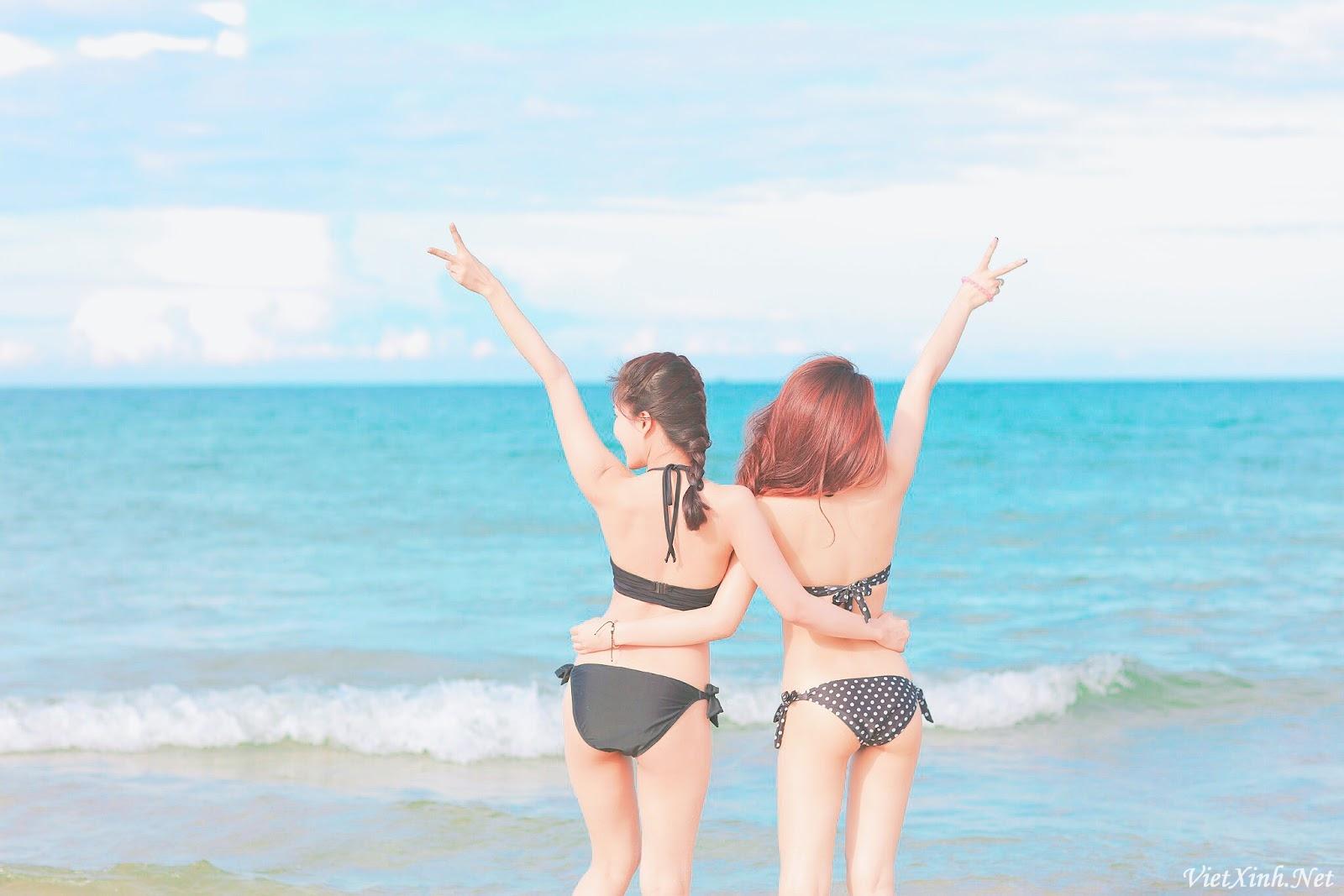 Hot girls trà sữa Việt mặc bikini khoe dáng chuẩn sexy