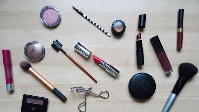 Daftar Merek Kosmetik Halal Terbaru Sertifikasi LPPOM MUI Resmi