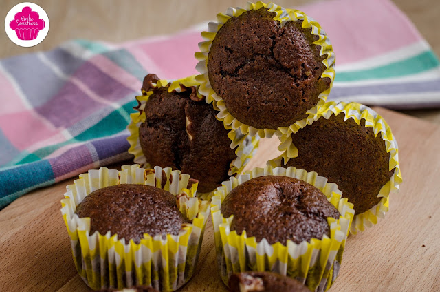 Muffins au chocolat fourrés au chocolat blanc