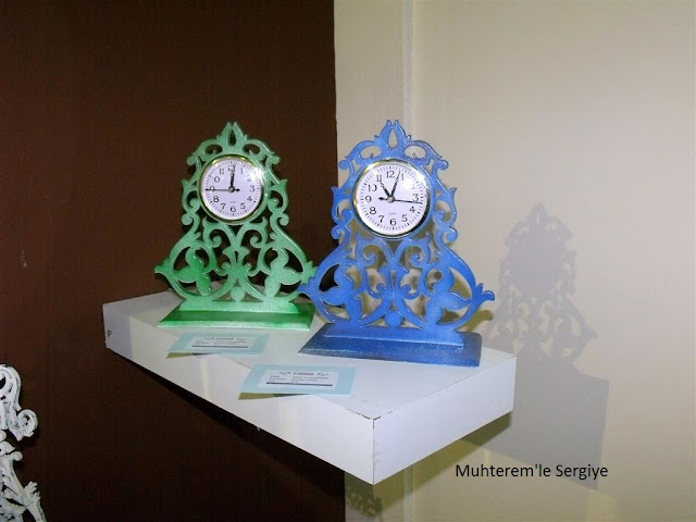 Wood carving clock