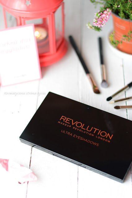 Paleta cieni Makeup Revolution Flawless