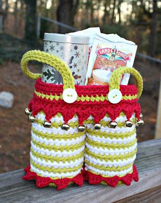 https://craftinoo.com/elf-pants-gift-basket