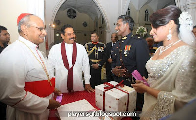 Ajantha Mendis and his wife  Yoshini Mendis at President House