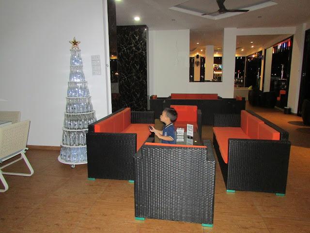 skylight-lounge-Vanilla-Hotel-Batam