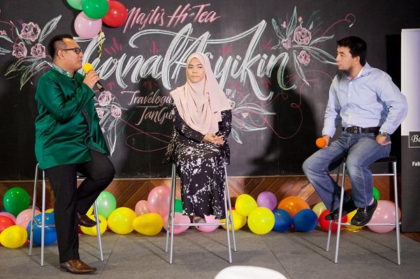 Sesi sharing oleh Puan Nur Asysikin dan Haji Ishaq bersama tetamu  Majlis Hi Tea Jurnal Asyikin Exclusive