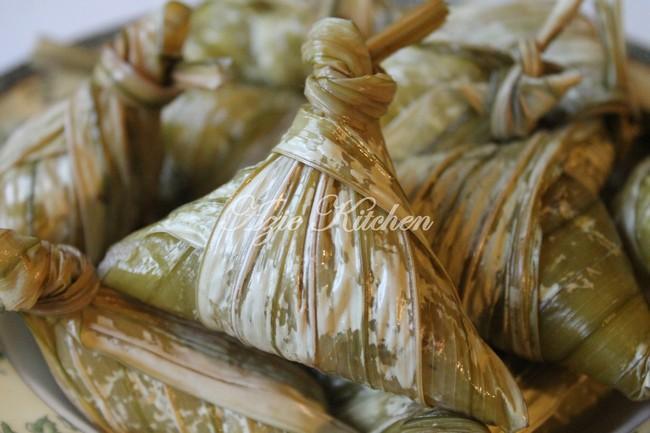 Ketupat Palas Hidangan Wajib Hari Raya di Kelantan