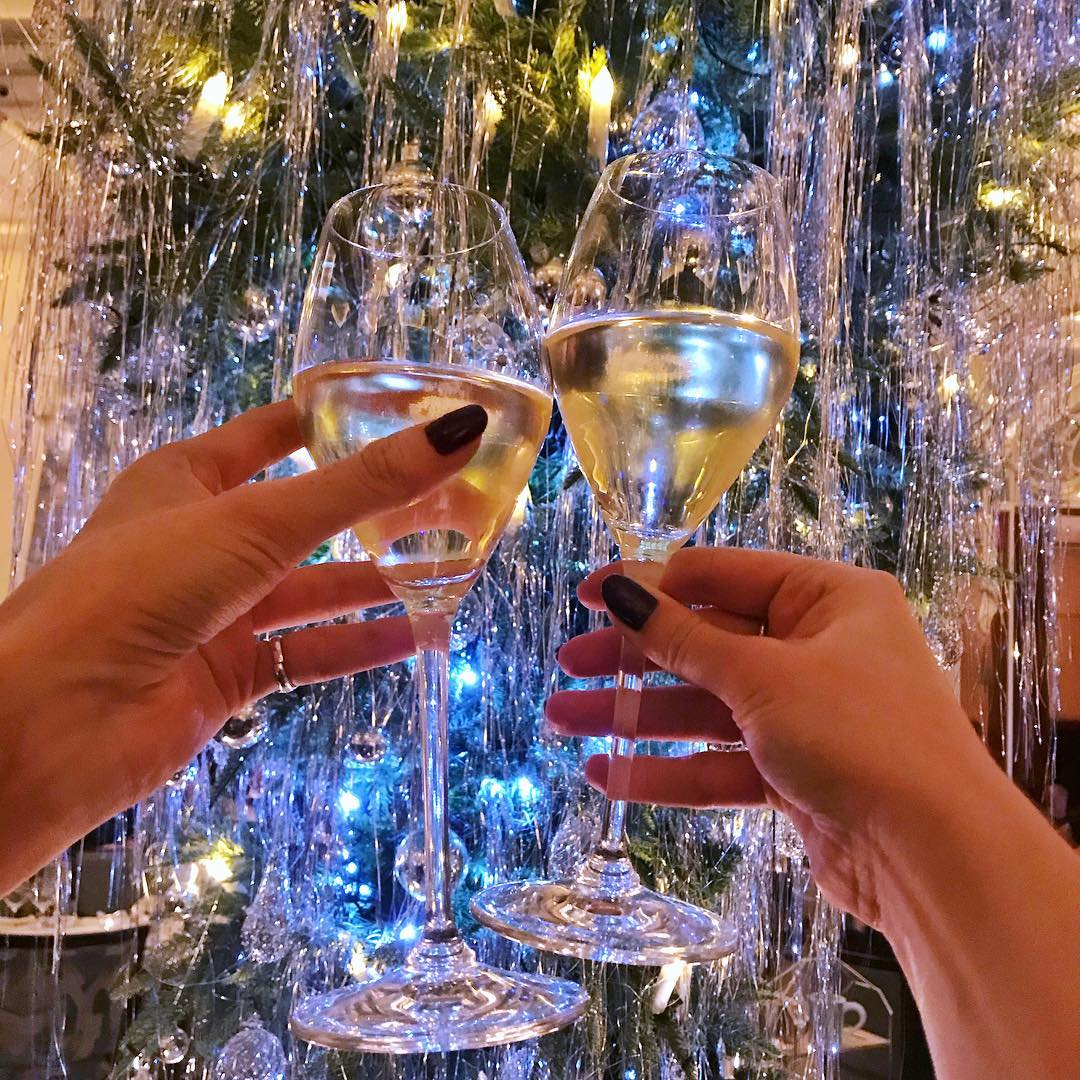 Champagne under the Claridges Christmas tree - London lifestyle blog